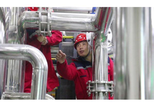 沈丘县清洁供暖企业维修人员故障排除中