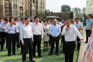 省领导视察万江清洁取暖项目